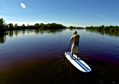 paddleboarding the mississippi river and lake outdoor family trip